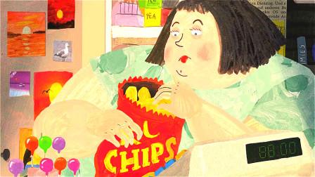 女孩经营着书报亭,一边工作一边吃,结果胖到卡在报亭里出不来了