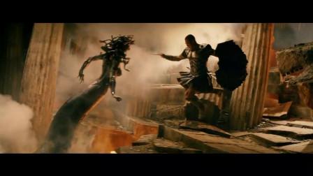 众人胆敢挑战美杜莎,只要被看一眼就变石化