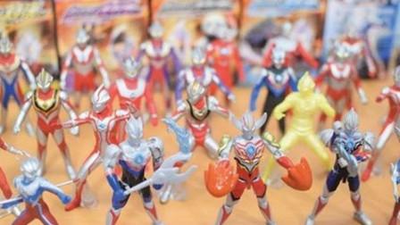 奥特曼:这应该是全套奥特曼的玩具了吧!