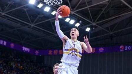 孙悦谈心中的乔丹:说他是篮球界的神一点不过分