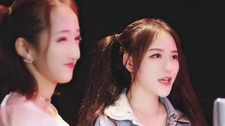 两位超甜的小姐姐合唱一首《百花香》好听极了,你更喜欢谁呢?