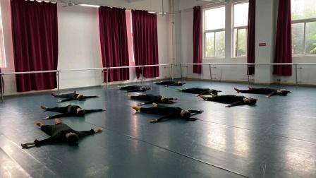 17级2班现代舞考试