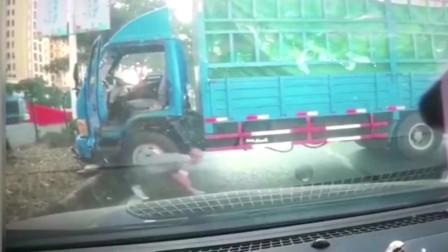 行车记录仪,安徽姑娘你为什么要这么吓货车司机?