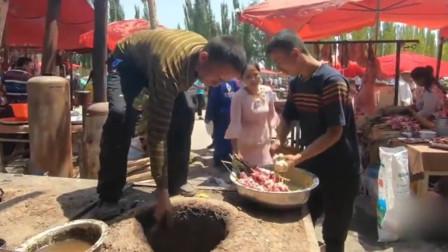 新疆15元1串的羊肉串,1个人1串能吃到撑,不服你来上一课啊!