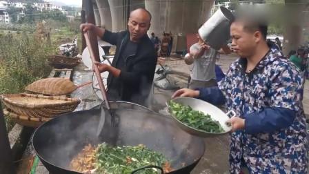 农村酒席大锅菜,肥肉炒干豆腐,大锅炒的菜简直就是美味!