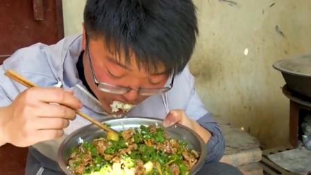 一斤辣椒做爆椒鸡胗,大sao拌一盆饭香极了,辣椒快被吃涨价了