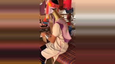 长颈族的族长,脖子是村里最长的!