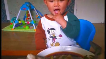 河南:老四又吃鲈鱼了,让有些人去羡慕嫉妒吧,孩子过几天好生活不好吗