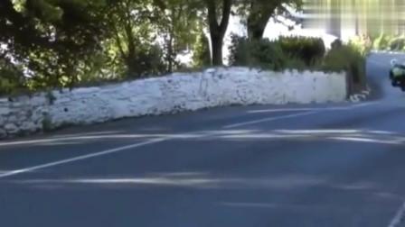 曼岛,死亡赛追求最高速度,油门拧动底。