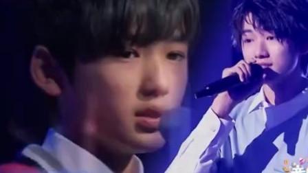 宋亚轩隔空和四年前的自己演唱《夜空中最亮的星》,少年见证!