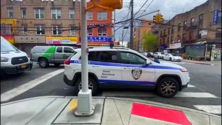 纽约布碌仑亚裔民安队,在街道进行疫情防控宣传