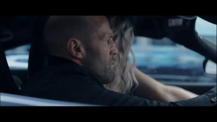 谁说秃头都是油腻男?这个开着迈凯伦飙车的秃头谁能不爱呢?