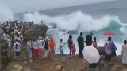 海边游玩,悲剧却在下一秒发生