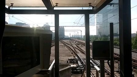 上海地铁11号线  1124号车不载客 南翔进站