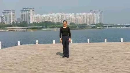 形体广场舞《映山红》山西太原滨河公园