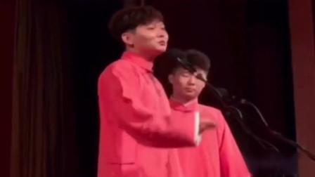 孟鹤堂教观众怎么耍演员,结果秦霄贤被观众被疯了,这是乐啥呢,没包袱啊