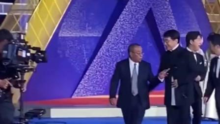 成龙吴京陈道明黄渤几位大佬站在一起,票房加起来,得几百亿了!