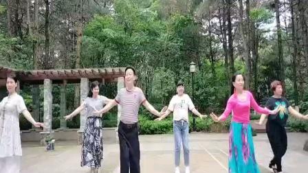 白开水广场舞《东北的冬东北的情》