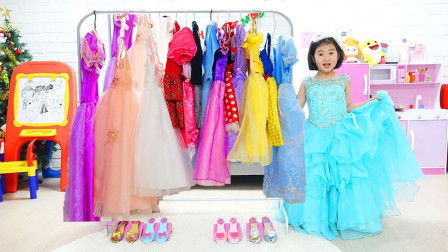 小萝莉穿公主裙一起去参加舞会!