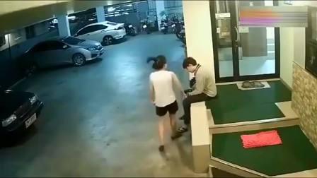"""山东济南市小伙:这样的男人简直就是""""人渣"""",监控拍下让人气愤的一幕"""