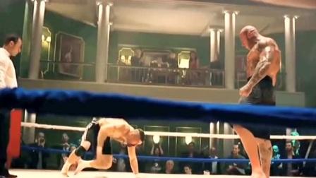 世界拳王挑战地下拳王,拳拳到肉燃爆全场的格斗片段