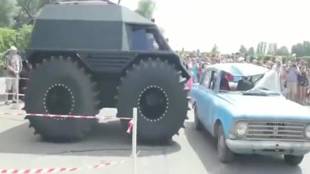 汽车装上大轮胎就是不一样,轻松碾压别的小轿车