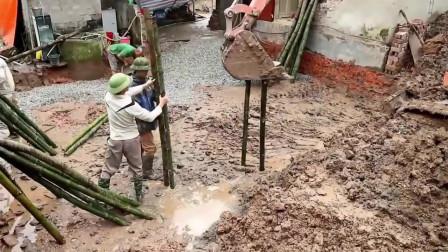 实拍越南农村盖房,用竹子打地基,真是头一次见
