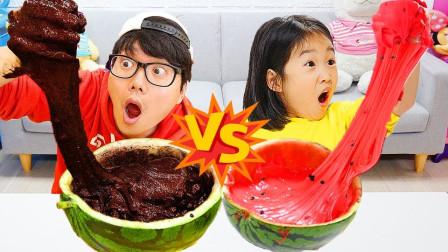 亲子萌宝VLOG:小萝莉和哥哥的西瓜挑战!