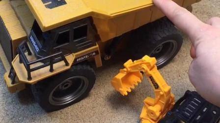 小卡车来找挖掘机装沙子啦,可小卡车太大了,天都黑了才装满