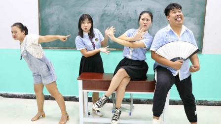 学霸王小九校园剧:老师让学生用英语翻译成语,没想学生发音一个比一个奇葩,太逗了