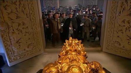 军长带部队进入慈禧陵墓,盗走全部宝贝,这辈子都吃不完了