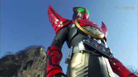 假面骑士OOO借用修卡的力量变身,魂联组形态登场,打败修卡首领