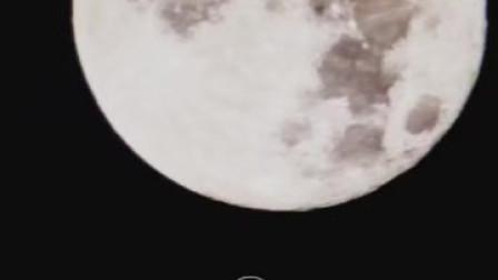 大月亮怎么拍?你先试试vivo X30 Pro