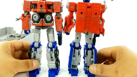 创意玩具 大卡车车厢模型玩具变形金刚机器人