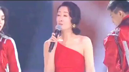刘敏涛火爆全网!唱歌就像在演戏,眼神妩媚又迷离!