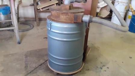 木工活干完一堆木屑,高手自制一台吸尘器,吸木屑相当方便