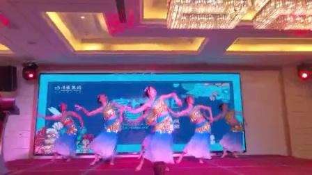 成都WILLA舞蹈团-傣族舞蹈《竹林深处》