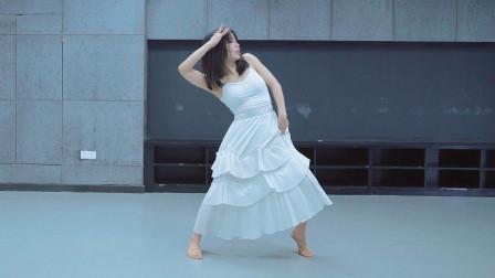 笑颜腹肌妹纸原创现代风舞蹈《一程山路》