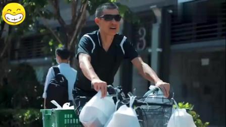 香港:时薪60块!连奥运选手都自愧不如 香港单车阿伯日踩11个钟送外卖