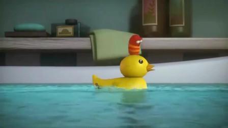 爆笑虫子:小红卡在了出水道,为了救它,小黄竟用管子连接