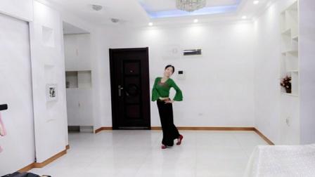 刘满广场舞《九儿》正面。编舞:张春丽老师