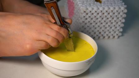 无臂女孩用脚做蒸蛋,蒸的滑嫩,真的好吃