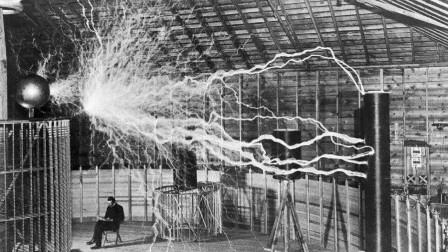 一个最接近神的男人,制造出的闪电可以照亮数百英里的天空