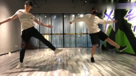 刘亦菲和杨洋跳劲舞默契十足,太好看了!