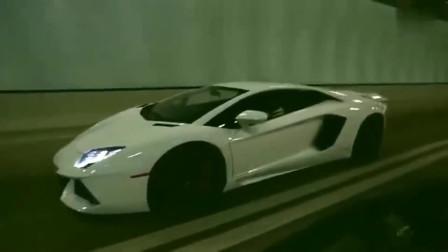 监控:第一视角看兰博基尼隧道飙车,美国网友:好像在打游戏,太霸气了!