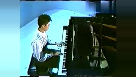 陈百强唱给赌王之女何超琼的歌,也是她们的最爱。