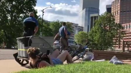 美国科罗拉多州抗议现场爆发枪声