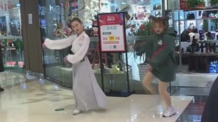 广东超市门口的小姐姐可以看出,现在的竞争,是多么的激烈!