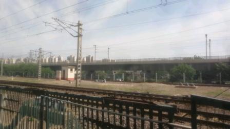 2020年6月8日,京局丰段HXD2B 0336牵引罐车大列杨村站6道停车。