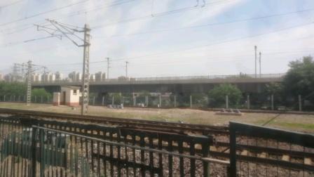 2020年6月8日,京局丰段HXD2B 0317牵引敞车大列杨村站7道停车。
